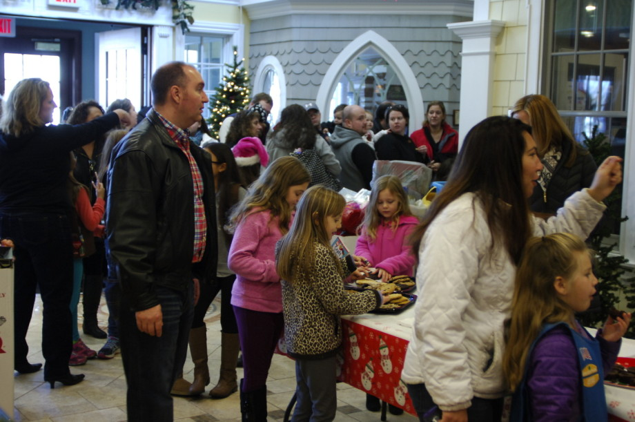 2015 Kuiken Brothers Toys for Tots Event Roxbury (18)