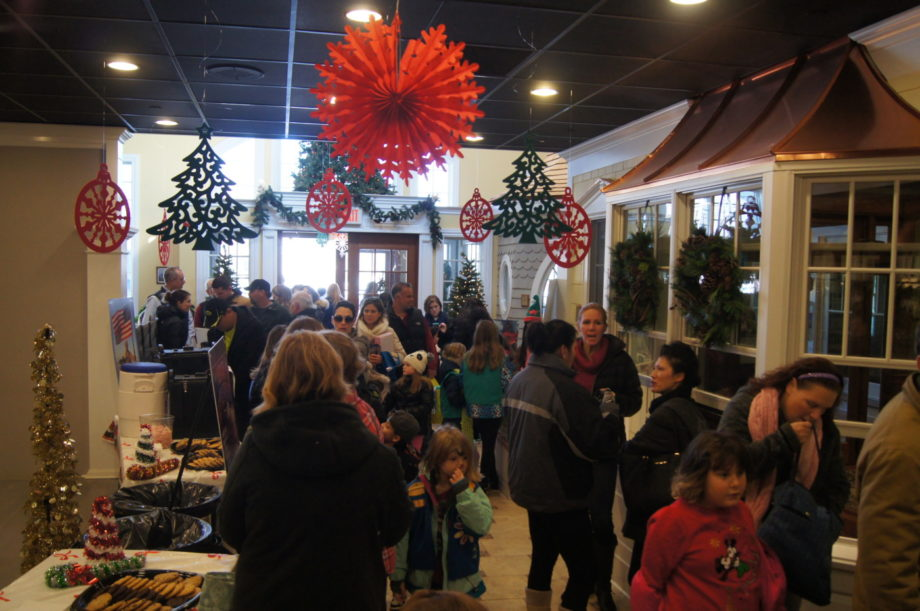 Kuiken Brothers Kicks Off The 2017 Holiday Season With Toys For Tots Donations