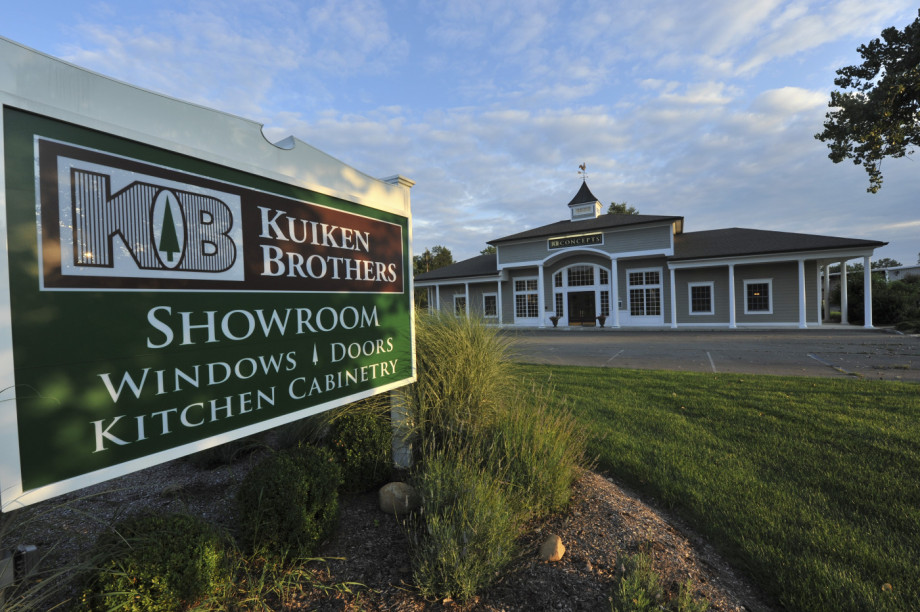 Kuiken Brothers Succasunna Kitchen Cabinetry Showroom Morris County NJ (33)